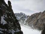 Arkadaki zirve, Peak Teke-Tor (4441m)