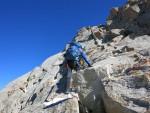 Peak Boks sırtında tırmanırken
