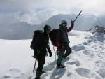 Peak Uchitel (4527m) zirvesi