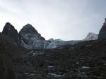 Üçgen zirve Ratseka (4150m)
